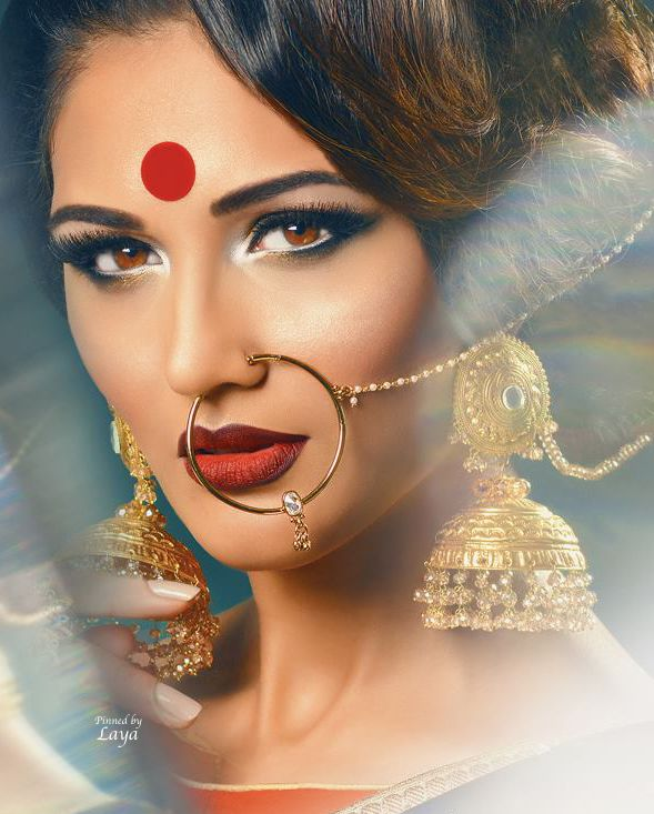 Indian Bridal jewellery. Love the jhumkas and nose ring