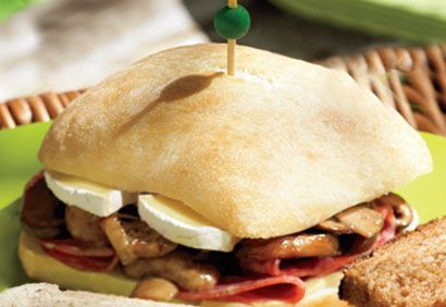 Sandwichs au salami et aux champignons marinés  #Recettes