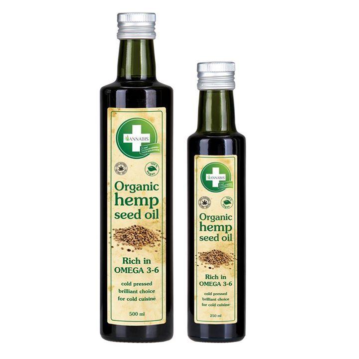 NU TE KOOP BIJ ONS ONLINE!!  Hennep olie bio. De olie is uniek van samenstelling en wordt gekenmerkt door zijn aroma, karakteristieke groene kleur en een delicate nootachtige smaak. De unieke relatie tussen de vetzuren omega-3 en omega-6 komen overeen met de natuurlijke behoeften van het menselijk organisme. Hennepolie is ook rijk aan vitaminen, mineralen, plantaardige kleurstoffen en fytosterolen. Veel van deze stoffen zijn nodig voor de menselijke gezondheid. Hennep olie bio is geschikt…