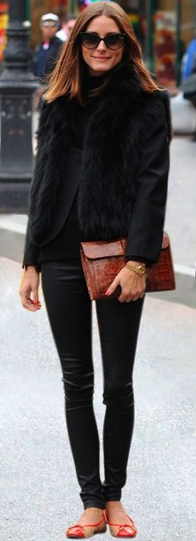 Olivia Palermo . Look de inverno . Winter . All black . Preto total: