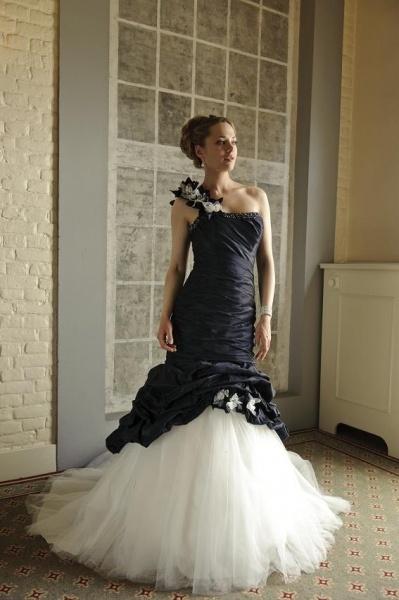 VeraBride trouwjurk, ook verkrijgbaar in ivoor #trouwjurk  #bruidsjapon  #weddingdress