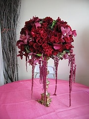 So elegant!Decor, Ideas, Derby Stores, Flower Centerpieces, Colors, Beautiful Centerpieces, Events Centerpieces, Red Wedding Flower, Design Flower