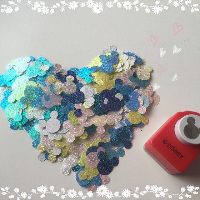 ミッキーシャワー✩︎⡱ フラワーシャワーと混ぜる予定! フラワーシャワーはピンクで統一したからミッキーは青系で混ぜようかなと! オーロラカラーの折り紙でやってみたけど普通に画用紙がいいかなあ? 組み合わせ悩む( Ꙭ)  #2016春婚 #プレ花嫁 #ディズニーウェディング #DIY #ミッキーシャワー ミッキーシェイプ#色悩む