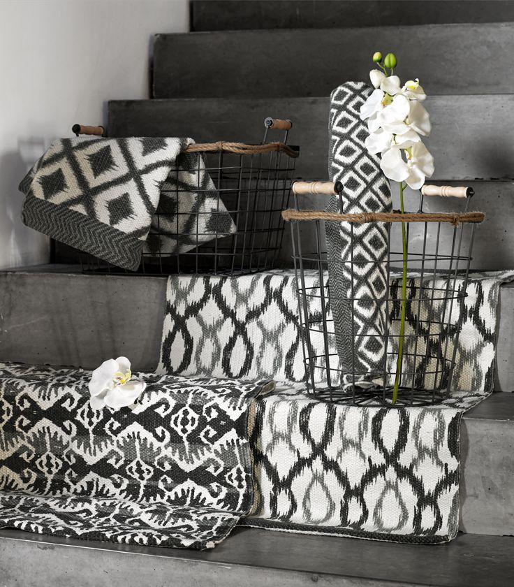 Stoere zwart-wit kleden & manden Pronto wonen