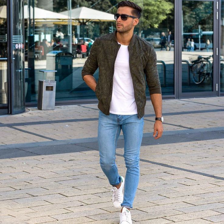 Die: Sneakers + Lightblue Jeans + White T-shirt + Jackets Women, Men and Kids Outfit Ideas on our website at 7ootd.com #ootd #7ootd