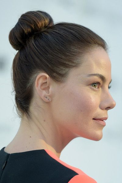 Michelle Monaghan Classic Bun - Michelle Monaghan styled her locks into a high bun for the Women in Film pre-Oscar cocktail party.