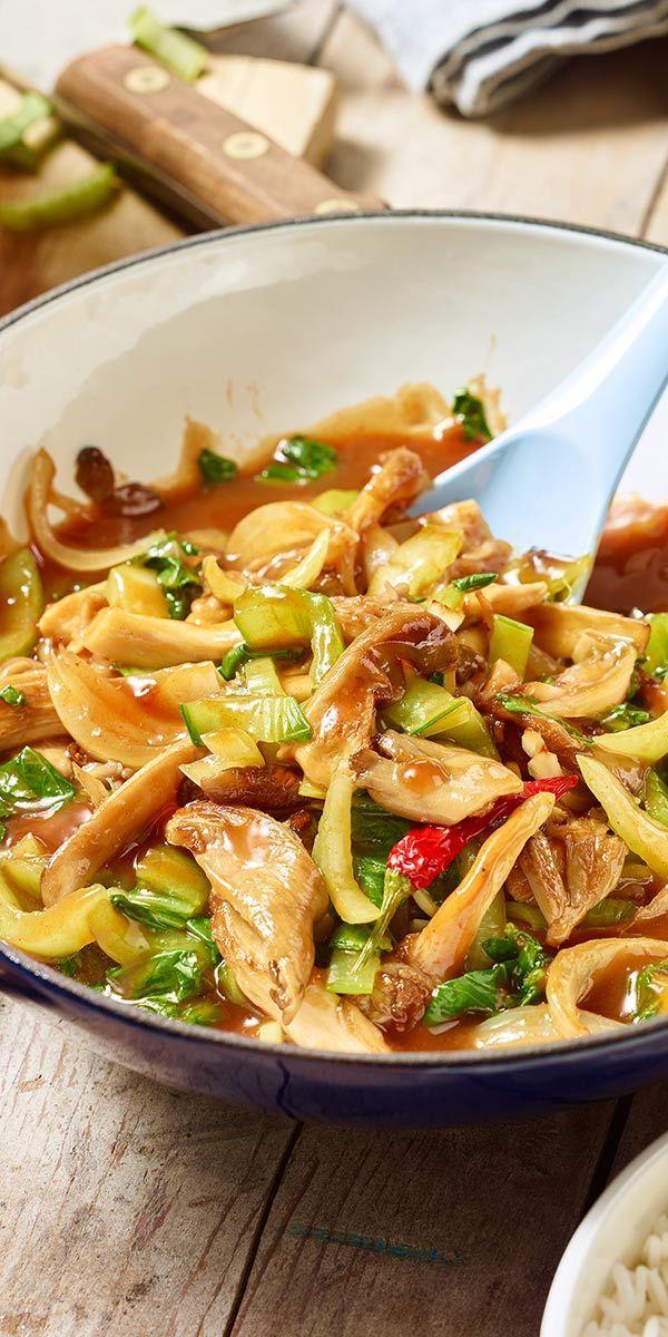 Wenn du ein Fan der asiatischen Küche bist, solltest du unbedingt unseren scharfen Austernpilz-Wok mit Pak Choi probieren. Dieses Gericht kannst du nach Belieben mit Chili und Ingwer aufpeppen. Wir wünschen dir einen guten Appetit.