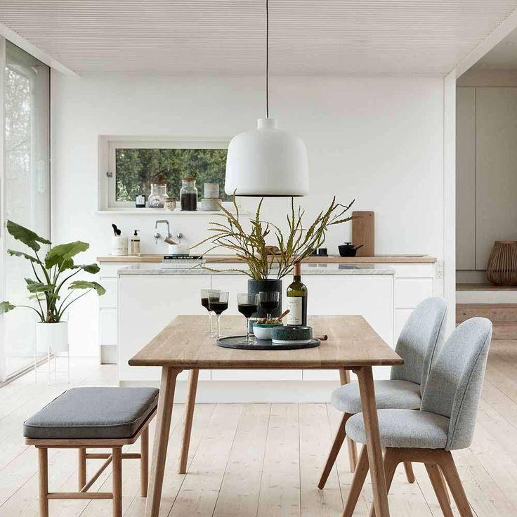 """Bank """"Solvej"""" aus Eiche bringt skandinavisches Design an Ihren Esstisch, in den …  # Esstisch"""