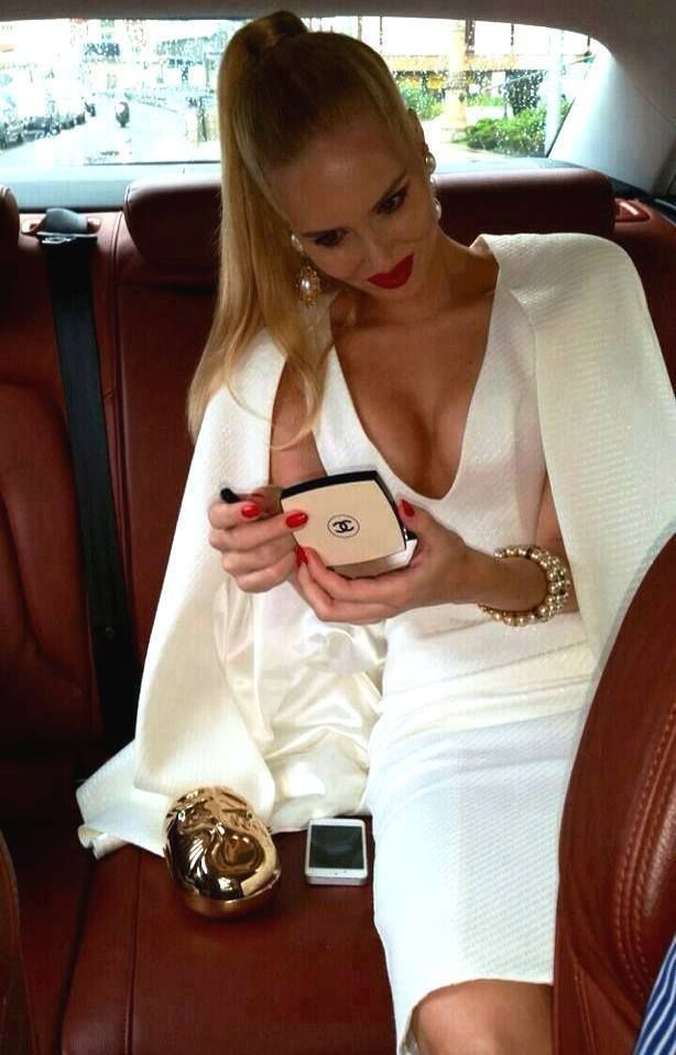 It's scientifically proven why women are money oriented aka gold diggers:  http://jetsetbabe.com/the-gold-digger-debate