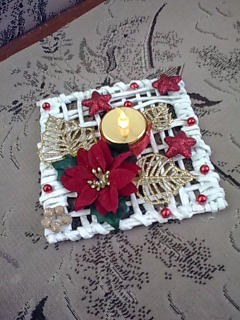 I have thin raffia reed... 1 per candleholder centerpiece... make 10