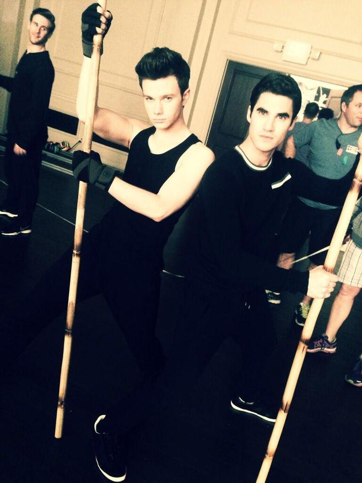 Love Is A Battlefield with these two sexy boys!!!!! @Hillary Miller @Darren Criss kickin ass!!!! pic.twitter.com/jAGzjdSgWZ