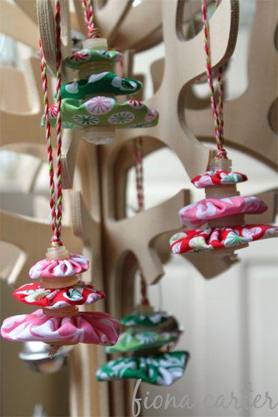 fabric yo-yos christmas tree ornaments