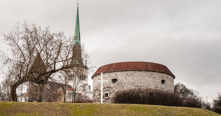 Tallin: Oleviste kirik ja Paks Margareeta by Graziella Serra Art & Photo on 500px
