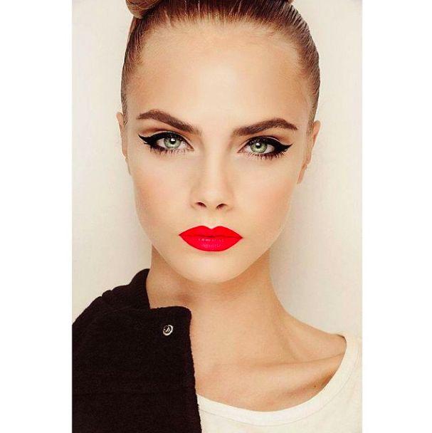 Cara Delevingne make-up