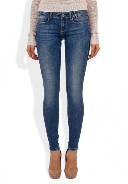 Магазины в москве guess джинсы