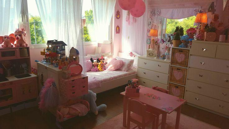 Marianas bedroom