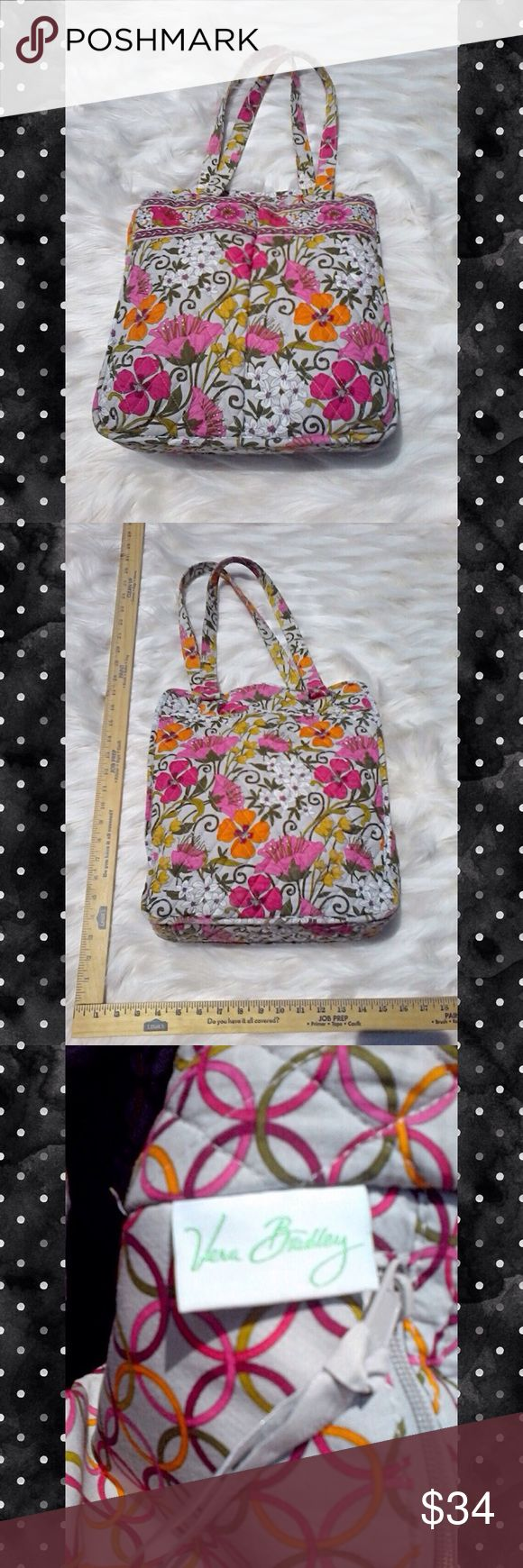 VERA BRADLY FLORAL SHOLDER BUCKET TOTE This is a simple but sweet Vera Bradley tote great for all your summer adventures & big enough to hold everything you need prefect for that polka dot dress or or Just day on the beach with friends! Vera Bradley Bags Totes