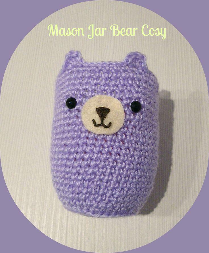 Mason Jar Bear Cosy. Free Pattern: http://www.popsdemilk.com/mason-jar-bear-cosy/