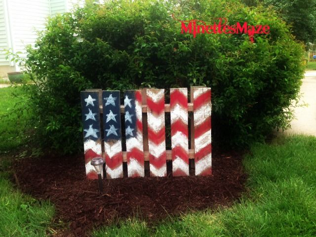 My DIY Patriotic Yard Decor Out Of A Pallet! Happy 4th Of July!