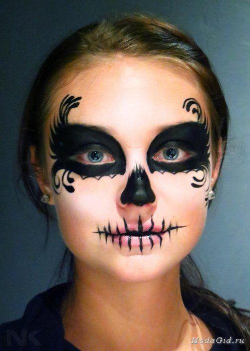 Вдохновившесь последней статьей про Хэллоуин я решила написать небольшой цикл статей, посвященных образам на на этот праздник. Сегодня мы немного познакомимся с историей праздника, его трансформацией со временем, популярными образами и вариантами макияжа на Хэллоуин.
