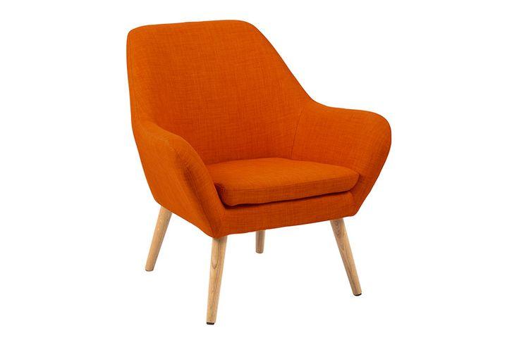 I tekstil Rio orange 120 med ben i oljebehandlet eik.