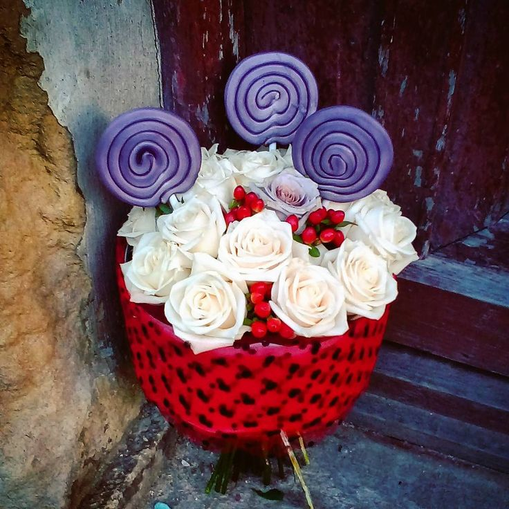 "44 aprecieri, 3 comentarii - Floraria Dorothy's (@florariadorothys) pe Instagram: ""More lollipops.. #sweet18 #birthdaygift #cluj #clujlife #clujnapoca #clujcenter #floricluj…"""