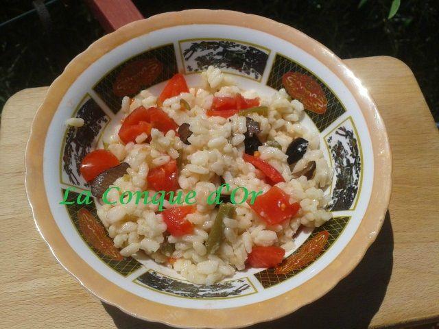 Salade de riz aux haricots verts et poivron rouge