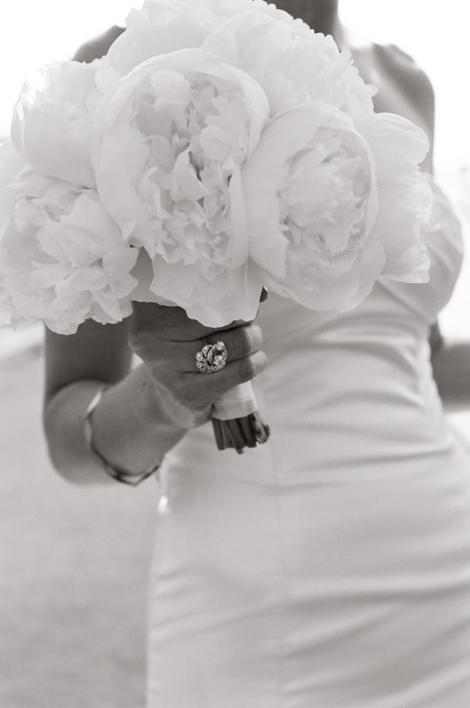 white sand white flowers white dress: All White Bouquets, White Flower, Flower White, Sands White, Dream, White Sands, White Peonies, Blog, White Dresses