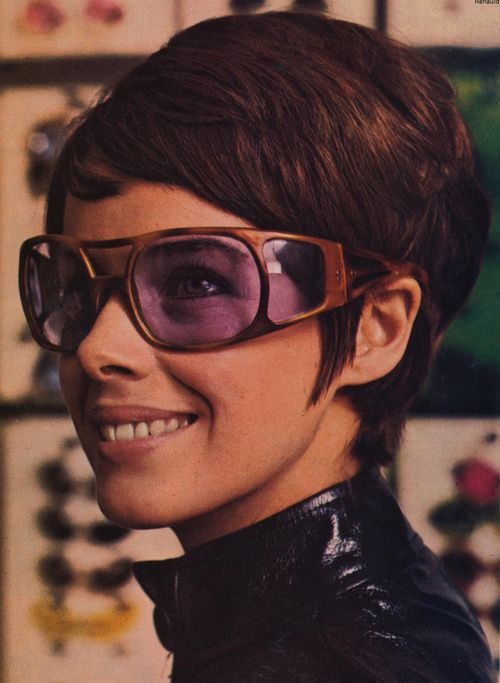 Sun Valley wraparound frames fromGirl Talkmagazine, 1970.