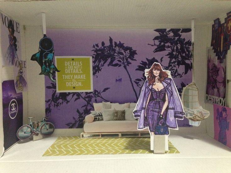 Maquete sobre perfil: jovem menina, espiritual, designer de moda, adora andar de bicicleta, ama videogame. Cores: violeta para remeter a espiritualidade, e complementar amarela para equilibrar ambiente.