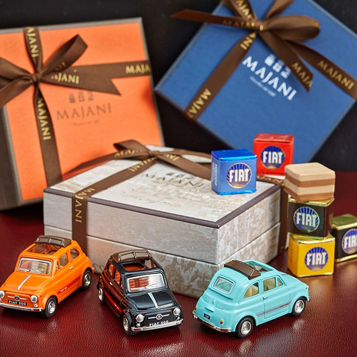 FIATチョコレート。(バレンタイン 限定)バレンタイン限定 FIATチョコレート・ミニカーセット(マイアーニ/Majani)(のし・包装・メッセージカードのご利用はできかねます。)(チョコレート バレンタインデー 限定 義理チョコ ホワイトデー)【楽ギフ_