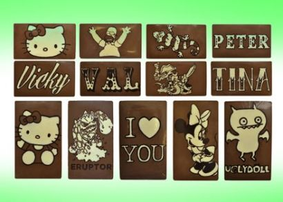 4.000 Ft helyett 2.490 Ft: Készíts egyedi táblás csokit gyermekeddel! Táblacsoki-készítő szett 2 tábla gluténmentes, minőségi belga csokoládéval a gyermeki kreativitás fejlesztéséért!