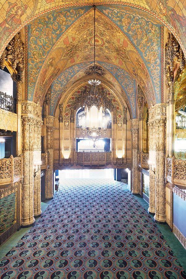 El Ace Hotel en LA y su teatro de estilo gótico español · The Ace Hotel in LA and its spanish gothic style theater