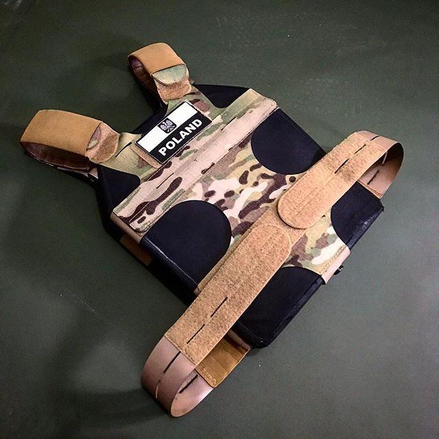 Husar NBS Plate Holder - ultra light (350g) - compatible with NOBLE PC accessories  #design #ultralight #lowprofile #topsecret #multicam #platecarrier #vest #bodyarmor #sapi #bulletproof #husar #design #exclusive #minimalism #madeinpoland #gearporn #welovetexas #navy #marines #army #police #undercover #gearporn