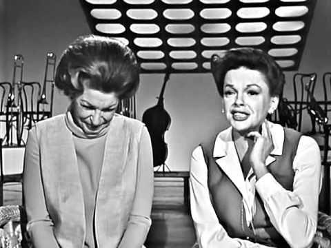 Judy Garland & Martha Raye - Glenn Miller medley (The Judy Garland Show) - YouTube