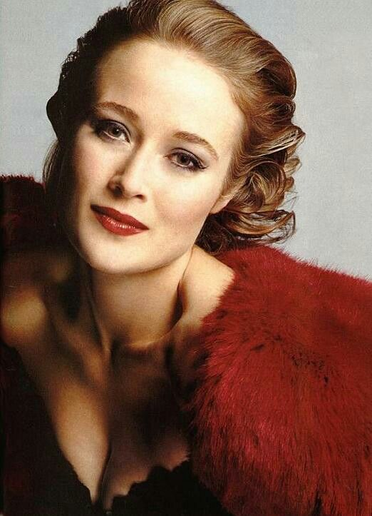 Jennifer Ehle. Simply one of the most underrated actors. So natural and packs a lot into small moments.