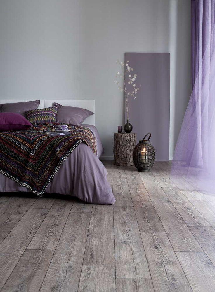 Katso kuva makuuhuoneen rauhallisesta sisustuksesta. Klikkaa kuvaa, niin näet tuotteiden tiedot ja ostopaikat!