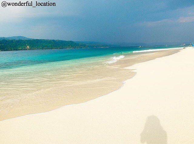 Like, comment dan tag teman teman kamu yang ingin sekali kamu ajak untuk liburan bersama Supported by @unlimitedmultimedia Photo by : @bocilbongsusan Location : Pulau Pisang, Lampung Barat