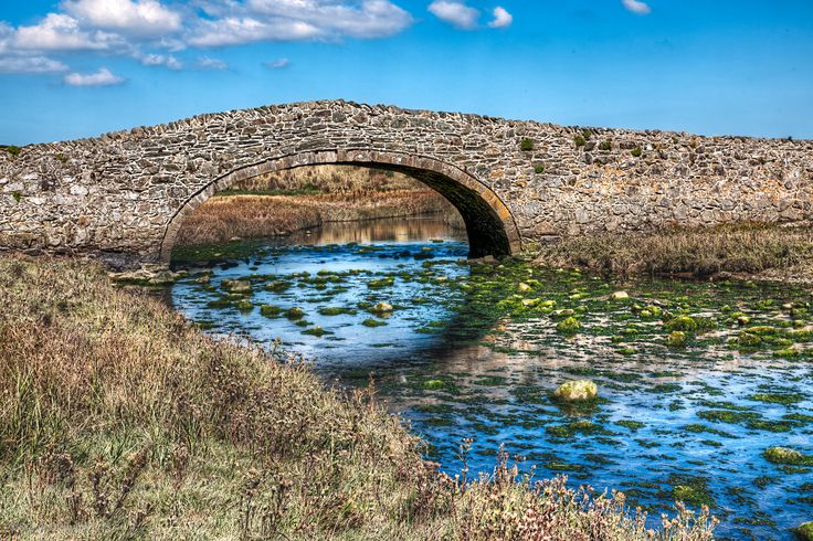 https://flic.kr/p/DrY1wJ | Aberffraw Bridge | This stone bridge on the island of Anglesey dates from 1731.