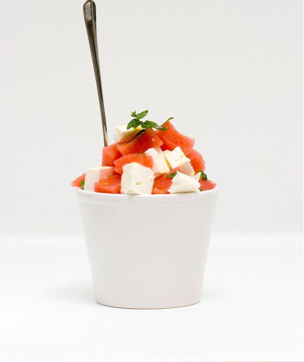 Ένα ελαφρύ, εύκολο, δροσερό και υγιεινό γλυκό με ελάχιστα λιπαρά.