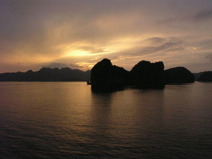 THE ASIA DIARIES, Travels with my camera Hanoi, Vietnam 2013, Sunset Halong Bay Vietnem