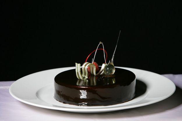 Una deliziosa glassa per ricoprire torte o bignè? Questa ricetta vi permetterà…