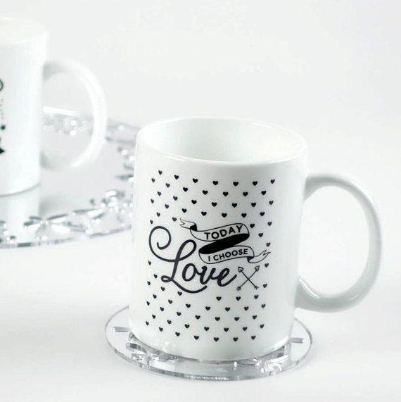 Tazza da the, tisana, cioccolata o caffè americano in finissima porcellana bianca della JOY COLLECTON firmata BLUVANILLA. Questo è il modello LOVE #mug #graphicdesign #happiness #collection