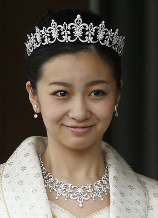 Japan's Princess Kako at the Imperial Palace in December 2014 celebrating her 20th birthday. Tiara, necklace, earrings, and bracelet by Mikimoto.