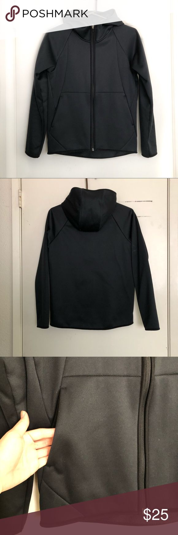 Windguard jacket Womens sz xs. In excellent condition! Has a cozy fleece lining for extra warm and exterior blocks wind to ensure warmth. Uniqlo Jackets & Coats Utility Jackets