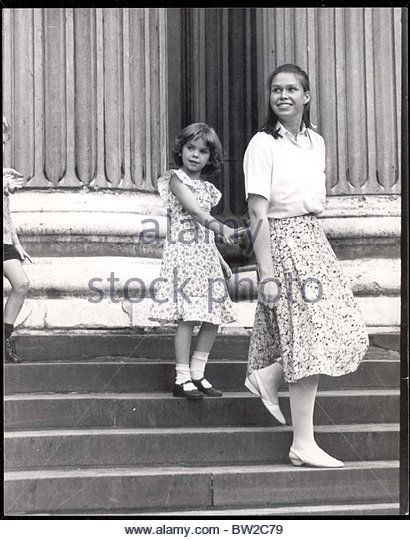 Lady Sarah Armstrong-jones Now Lady Sarah Chatto - July 1981 Lady Sarah Armstrong Jones Leads Catherine Cameron Out Of St Pauls - Stock Image
