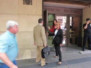 Carmen Rodríguez Quijano sale de la Audiencia Nacional. mujer de Francisco Correa acaba de pactar una #dación en pago con el visto bueno de la Justicia