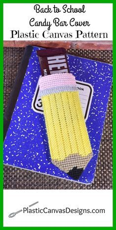 Looking for a fun back to school treat for teachers or kids? This cute pencil plastic canvas candy bar cover works up quickly and will be sure to bring a smile to their face. See the free plastic canvas pattern here!