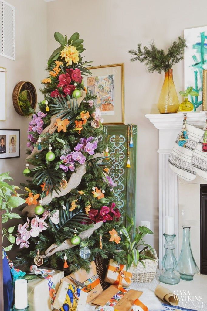 Tropical Bohemian Christmas Tree Casa Watkins Living Floral Christmas Tree Boho Christmas Tree Tropical Christmas Trees