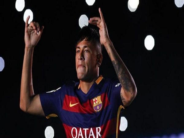 LigaOlahraga.com - Neymar da Silva Santos Junior berpeluang meninggalkan Barcelona karena terbelit masalah pajak. Hal itu dilontarkan oleh sang ayah, Neymar Santos Sr.